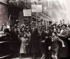 Tumulti a Milano. La folla chiede l'annessione della Corsica, di Nizza, della Savoia e della Tunisia all'Impero Italiano. 1940 #TuscanyAgriturismoGiratola