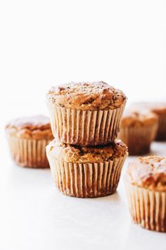 SunButter Baked Oatmeal Cups – the ultimate healthy make-ahead breakfast with good stuff like oats, hemp seeds, chia, applesauce, and endless topping ideas! Gluten Free Donuts, Gluten Free Desserts, Delicious Desserts, Yummy Food, Donut Recipes, Muffin Recipes, Vegan Recipes, Cupcake Recipes, Feasting On Fruit