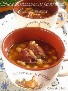 » Supa de ciuperci cu galusteCulorile din Farfurie Romanian Food, Chili, Beans, Cooking Recipes, Dishes, Soups, Random, Honey, Plate