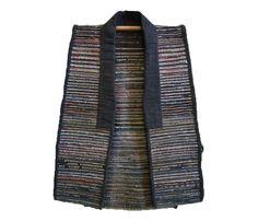 A Sakiori Sodenashi: Colored Ragweave Weft Yarns