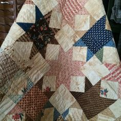 KT Winner Congrats to Kristy! You've won the Primitive Quilts & Projects Spring issue in anticipation of the Summer issue with Moda's Col. Primitive Quilts, Antique Quilts, Country Primitive, Blackbird Designs, Civil War Quilts, Country Quilts, Hand Applique, Star Quilts, Cozy House