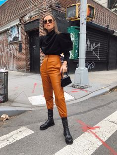 Falling Forward - We Wore What. my wool blk top, my mustard/ golden jeans, ( also my blk cropped leather pants. Warm Outfits, Fall Winter Outfits, Autumn Winter Fashion, Trendy Outfits, Fashion Outfits, Outfits Juvenil, Stylish Street Style, Estilo Blogger, We Wear