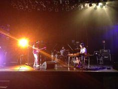 本日から、夏フェスグッズのトートバッグを発売します!2000円です。  今日の渋谷O-WESTは、渡辺シュンスケ:Key w/玉木正太郎:Bass&千住宗臣:Drums の編成です。  20:30〜の出番です。 Insight, Tokyo, Shit Happens, Twitter, Tokyo Japan