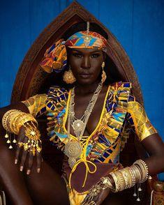 You definitely need these easy ways to style Ankara headwraps by Klarah Enie. Klarah is a top makeup artist for dark skin people in Germany. African Beauty, African Women, African Art, African Style, African Life, African Dance, Black Love Art, My Black Is Beautiful, Simply Beautiful