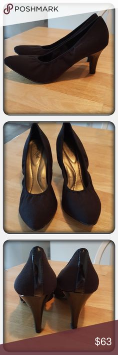 Woman's Black Heels Size 10M Like New Woman's Black Heels Size 10M From Hush Puppies. These Super Cute And Classy Heels Are Comfy. The Back Of Heels Has A Patent Leather Strip Down The Back Giving These Shoes A Dressy Feel Worn Once Excellent Condition  PAYPAL  TRADES  OFFERS PRICE IS FIRM ❤ Hush Puppies Shoes Heels