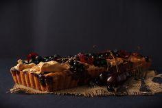SMYKWKUCHNI: Tarta z czarną porzeczką, jagodami, czereśniami i ...