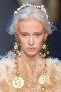 Close up Dolce & Gabbana 2014, Milan #fashionweek #Dolce&Gabbana