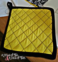 Potholders | A Pinch of This & A Dash of That