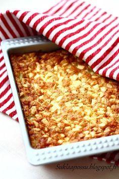 Kaurainen raparperipiirakka - Suklaapossu Baking Recipes, Dessert Recipes, Desserts, I Love Food, Good Food, Frozen Cheesecake, Sweet Pie, Deli, Food Inspiration