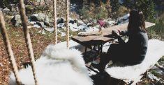 Durmiendo en la Borda del Buno, el secreto mejor guardado de los bosques de Ordino Andorra, Outdoor Decor, Travel, Stone Cottages, Fur Rug, Open Arms, Shelters, Forests, Viajes