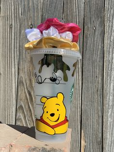 Personalized Starbucks Cup, Custom Starbucks Cup, Personalized Tumblers, Starbucks Cup Design, Starbucks Green, Disney Starbucks, Cheap School Bags, Winne The Pooh, Disney Cups