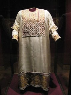 Alb of King William II of Sicily, Holy Roman Empire (1181; silk, gold wire embroidery, pearls, emeralds, spinels, garnets, opals). Made in Palermo.