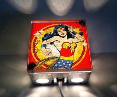 Cajas de luz de superhéroes y superheroínas