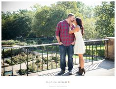 fort worth botanic gardens engagement session photos by fort worth wedding photographer