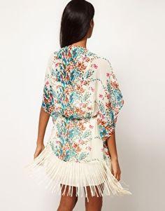 Enlarge Glamorous Floral Fringe Kimono
