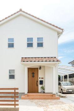 白色の塗り壁がステキ!プロヴァンスの外観 #外観 #igstylehouse #アイジースタイルハウス Minimal Architecture, Dream House Exterior, Small House Design, Japanese House, Beautiful Space, Simple House, Cozy House, Exterior Design, Future House