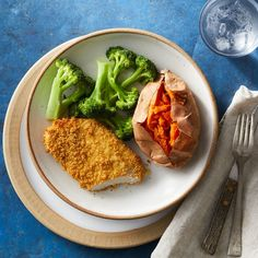 These whole-wheat panko breadcrumb-coated pork chops get just as crispy as fried chops, but they're healthier. Oven-frying saves you fat and calories while producing chops that are crispy on the outside, yet juicy inside. Serve with steamed broccoli and baked sweet potato for a satisfying weeknight dinner.