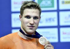 Za 21 okt 2017 EK baanwielrennen: GOUD op de 1 km tijdrit. Jeffrey Hoogland heeft bij de Europese kampioenschappen baanwielrennen in Berlijn goud veroverd op de 1 kilometer tijdrit. De 24-jarige baanwielrenner uit Nijverdal was in de finale met een tijd van 1.00,700 net iets sneller dan de Duitser Joachim Eilers (1.00,733). Brons was er voor de Fransman Quentin Lafargue, die een tijd van 1.00,906 neerzette.