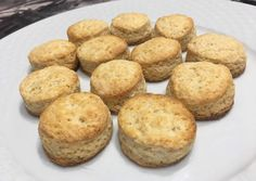 (1) Scones dulces Receta de Maru Abdo- Cookpad Scones, Muffin, Breakfast, Food, Sweet Recipes, Morning Coffee, Muffins, Meals, Cupcakes