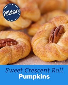The cutest side bread you'll ever serve at Thanksgiving dinner (or any fall dinner) is here, and it's super easy. (Like, five-ingredient easy.) In a few quick steps, Pillsbury crescent dough gets tran Pillsbury Recipes, Baking Recipes, Cookie Recipes, Dessert Recipes, Crescent Roll Recipes, Crescent Rolls, Crescent Dough, Thanksgiving Recipes, Fall Recipes