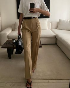 Fall Outfits, Summer Outfits, Work Outfits, Classic Leather, Fashion Lookbook, Ready To Wear, Khaki Pants, My Style, Casual