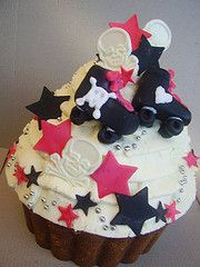 yum! roller derby cupcakes!