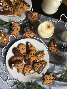 Puha mézes csokoládé díszítéssel - ÍZcsiklandozó Gingerbread Cookies, Food, Gingerbread Cupcakes, Essen, Meals, Yemek, Eten