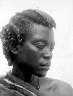 Angbwa Congo Hutereau