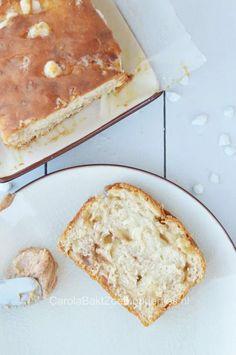 Suikerbrood - Carola Bakt Zoethoudertjes Dutch Recipes, Sweet Recipes, Christmas Stollen Recipe, Dutch Desserts, Sugar Bread, Happy Foods, How Sweet Eats, Muffin Recipes, Sweet Bread