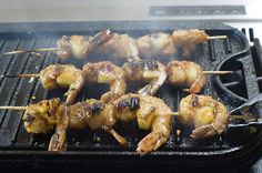 Pineapple Skewered Shrimp~You can use the outdoor grill, or the indoor grill, or a grill pan like this one. Also, you could use the broiler in your oven. Whatever floats your boat!