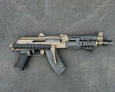 Bag full of guns Assault Weapon, Assault Rifle, Weapons Guns, Guns And Ammo, Rifles, Ak 47 Tactical, Ar Pistol, Battle Rifle, Real Steel