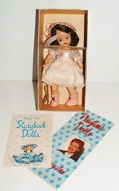 Collection of 4 storybook dolls doll collection antique small dolls