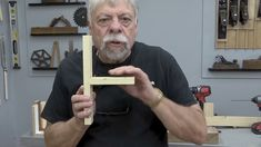 Pocket hole assembly tips! Woodworking Techniques, Woodworking Videos, Diy Woodworking, Wood Joints, Kreg Jig, Pocket Hole, Joinery, Wood Projects, Shop Ideas