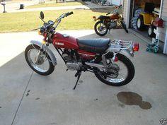 1972 Yamaha Enduro 175.  A great little trail bike.  I had two of them.