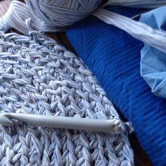 Fillerye av gamle sengetøy.