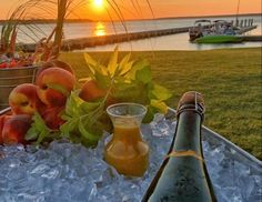 Your Guide to Brunch on Hilton Head Island | Hilton Head Island Stuff To Do, Things To Do, Cocktail List, Local Seafood, Easy Day, Steak And Eggs, Hilton Head Island, Long Weekend, Recipe Of The Day