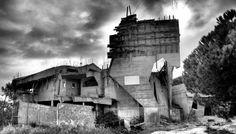 ruinas modernas | Fotografia de Nicola Del Franco | Olhares.com