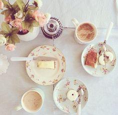 gâteaux et du café