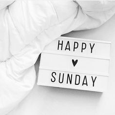 Ooo and I do love this pic Sundays are the best! Relaxing preparing for the new week goal setting days happy #sundayfunday