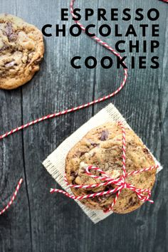 A grown-up version of a chocolate chip cookie, these Espresso Chocolate Chip Cookies are full of rich bittersweet chocolate and crunchy pecans, with notes of espresso in every bite. #FallFlavors Delicious Cookie Recipes, Cupcake Recipes, Cupcake Cakes, Dessert Recipes, Yummy Food, Roll Cookies, Cut Out Cookies, Fried Pork Tenderloin, Friend Recipe