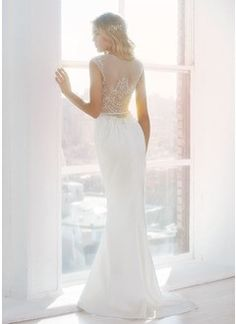 Sheath/Column V-neck Sweep Train Satin Tulle Wedding Dress With Beading Appliques Lace