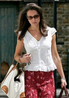 we have actually witnessed  wearing, it is appropriate to state that not only does she have a good sense of type and also layout but additionally holds a strong understanding of exactly what shades are better to wear with specific designs of outfits. If you have a comparable figure to Kate, she could be a terrific style to obtain ideas and also ideas from.