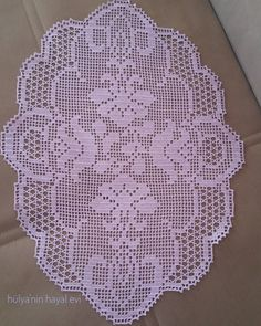 Crochet Tablecloth, Crochet Doilies, Crochet Lace, Sewing Patterns, Lace Runner, Manta Crochet, Crochet Purses, Filet Crochet, Crochet Hearts