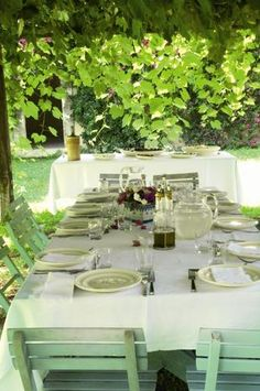 A Noto, Marie Claire Maison a casa di Luisa Beccaria. Luisa Beccaria, Table Settings, Setting Table, Cottage, Table Decorations, Dining, Interior Design, Green, House