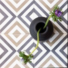 """Flisen """"Retro"""" fungerer finfint både på kjøkkenvegger og gulv.   Pris kr 1150 per kvm.  Sementflis, marokkanske fliser, designflis."""
