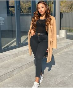 Fashion Beauty, Womens Fashion, Female Fashion, Ladies Fashion, Fashion Blogger Style, African Fashion, Nice Dresses, Latest Trends, Fashion Photography