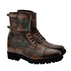 Elevator Boots - Upper in full grain camouflage leather vegetable tanned, insole and midsole in genuine leather, cotton waxed shoe laces. Hand Made in Italy.