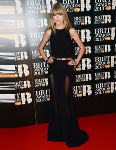 Taylor Swift Goes Sheer in Elie Saab at the 2013 Brit Awards. Go Taylor! Star Fashion, Fashion Show, Fashion Spring, Taylor Swift Red, Red Carpet Fashion, Dress Me Up, Dress Red, Well Dressed, Nice Dresses
