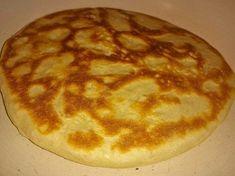 Ingrediente: 700 g de făină 300ml lapte 1 plic de drojdie uscată (8g) Recipies, Goodies, Breakfast, Gypsy, Food, Pie, Recipes, Sweet Like Candy, Breakfast Cafe
