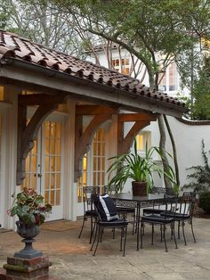I want the doors, roof and patio. Evening dining and cocktails. I want the doors, roof and patio. Evening dining and cocktails. Spanish Style Homes, Spanish House, Spanish Colonial, Spanish Patio, Spanish Tile Roof, Spanish Revival, Outdoor Rooms, Outdoor Living, Outdoor Furniture